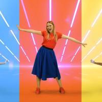 CAROLINA & TOPO TIP - tanto ritmo e colori in compagnia dei personaggi più amati dai bambini e dalle famiglie con il nuovo video dell'estate TUTTI SU LE MANI