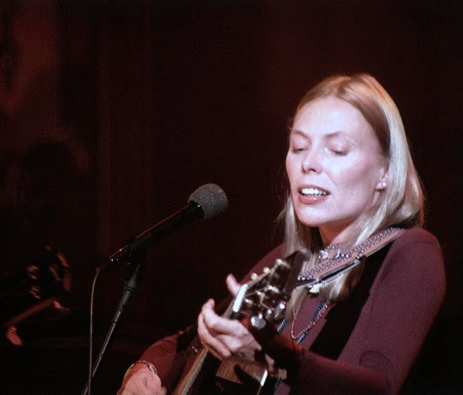 joni-mitchell-the-last-waltz