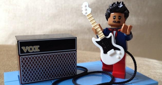 Jimi Hendrix 'Kiss The Sky' in LEGO