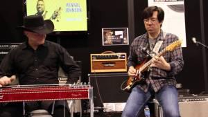 Tomo Fujita y Gary Morse en NAMM 2014