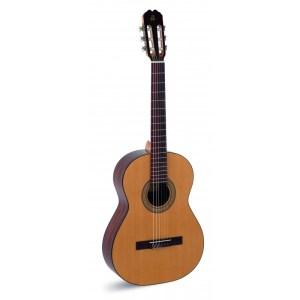 Guitarra acústica Admira juanita