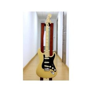 Guitarra eléctrica fender deluxe stratocaster vintage blonde mn