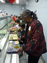 kids school lunches help children eat healthier