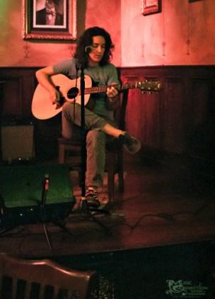 kyleen-downes-songwriter-round-the-dayton-underground-series-2