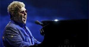 Elton John Blame the Security Officer For Fans
