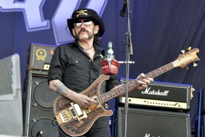 Lemmy Kilmister = Bassist
