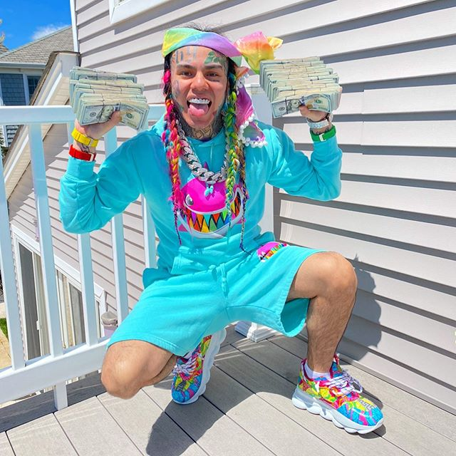 6ix9ine Calls Out Snoop Dogg, Accuses Rap Icon Of Being A Snitch