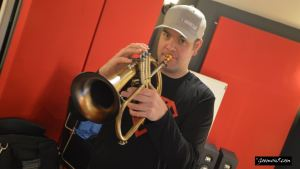 Recording horns with Goemon5 - session playing