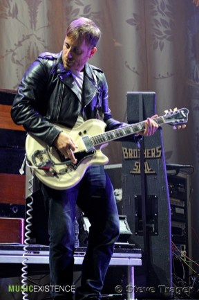The Black Keys Live - Wells Fargo Center - Philadelphia, Pa - Steve Trager008
