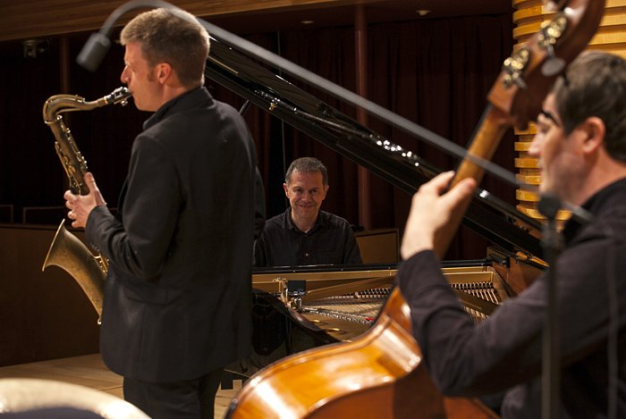 Sams London Jazz Band  (Trio) Saxophone, Double Bass and Piano