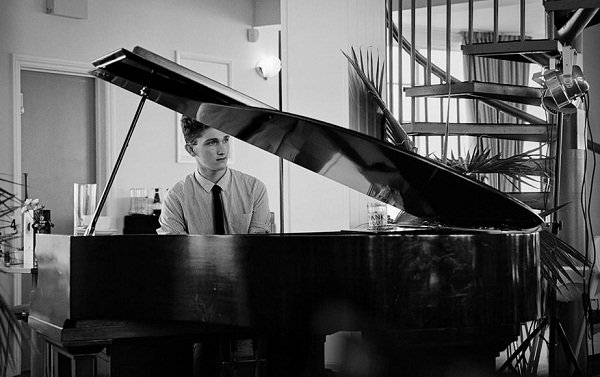 Dave - Solo Jazz Pianist For Hire