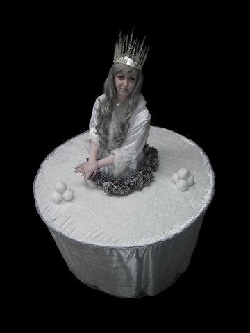 ice-table-statue
