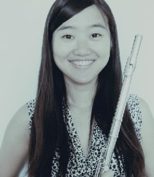 Evelyn - Solo Female Flautist ( Chinese Flute - Bang Di)