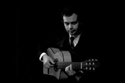 Solo Classical, Jazz And Latin Guitarist