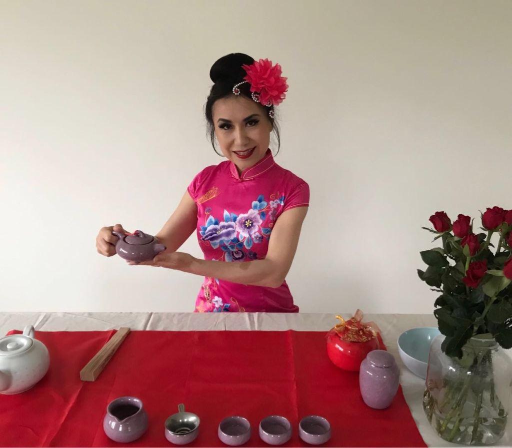 Chinese Tea Ceremony Expert