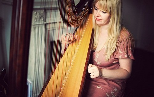 solo female harpist in London