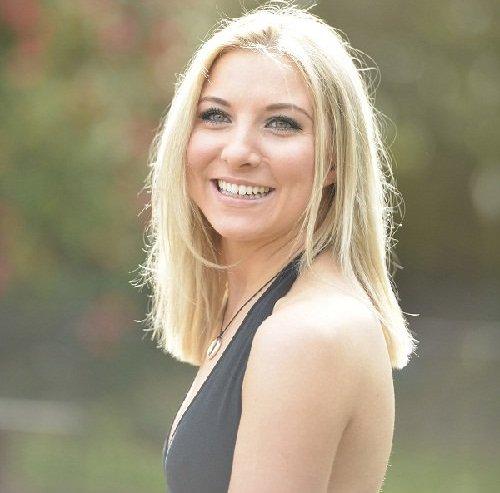 Solo Female Classical Mezzo-Soprano Vocalist