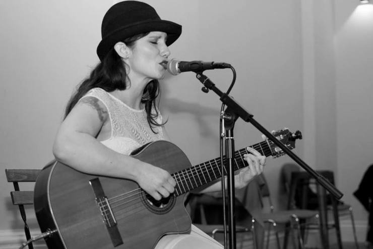 Corina - Argentinian Vocalist & Guitarist