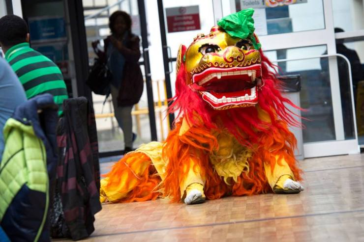 Chinese-Lion-Sitting-London