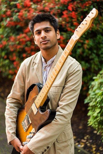 Solo Jazz Guitarist