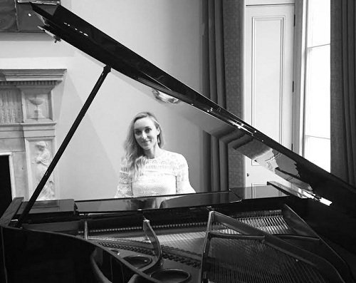 Harriet - Solo Female Pianist