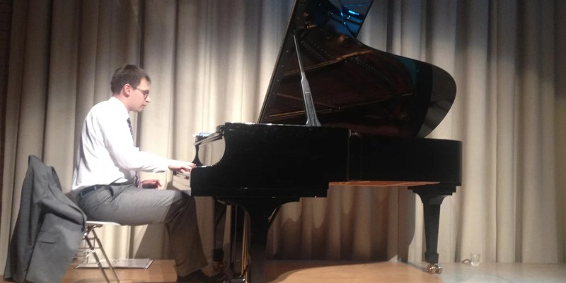 Solo Jazz and Classical Pianist for Hire