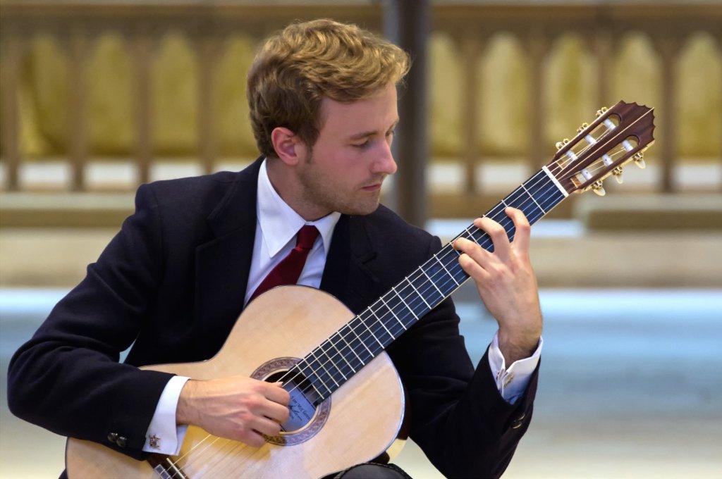 Hire Classical Guitarist Hire