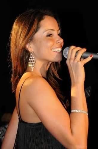 Beautiful London based Brazilian Singer