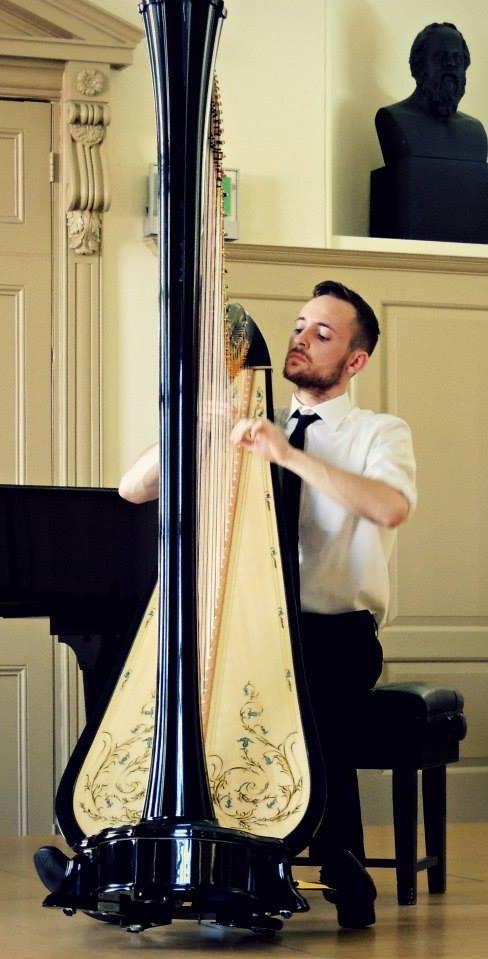 London Male Harpist