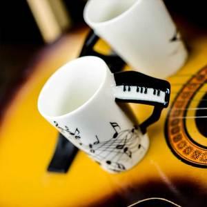 Поценалнова чаша Кийборд с релефна дръжка на пиано