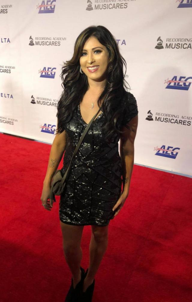 Jessica Meuse Music Is Hardly Halfhearted