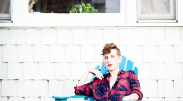 A Session With Mia Dyson – Self-Managed Recording and Touring Artist