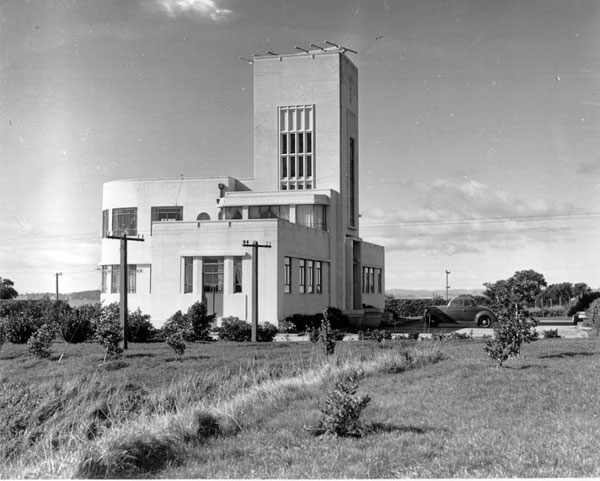 Musick Memorial Radio Station in 1946, seen from the southwest.