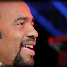 Bobby Lyle is a great keyboard player, singer and musician