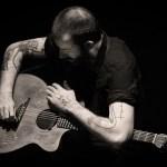 Jon Gomm Releases 'Gloria' Live Video Ahead of Live Album + UK Headline Dates