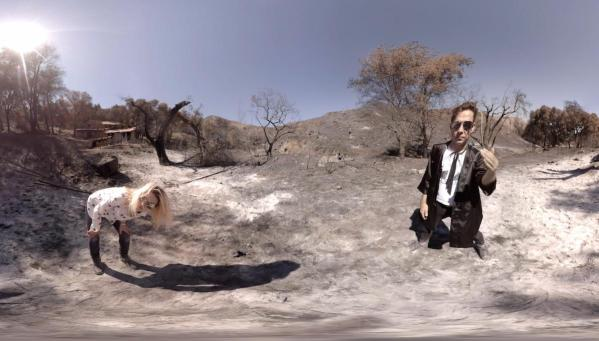 The Kills share VR video for 'Whirling Eye'and Play 15th Anniversary London show