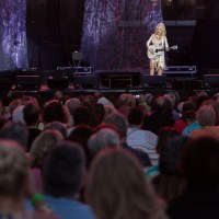 Dolly Parton Brings Pure Artistry and Simple Elegance to the Jack Casino in Cincinnati, OH
