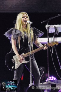AVRIL LAVIGNE IN CONCERT XCITE CENTER OCT.10 ,2019 BENSALEM PA017