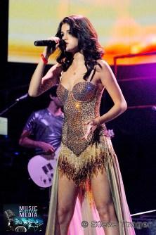 SELENA GOMEZ 2011 06