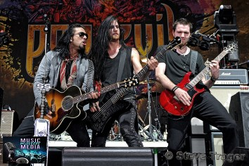 POP EVIL 93.3 WMMRBQ 2012 SUSQUEHANNA BANK CENTER CAMDEN NEW JERSEY 17