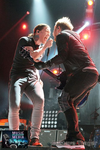 SHINEDOWN 93.3 WMMRBQ 2012 SUSQUEHANNA BANK CENTER CAMDEN NEW JERSEY 08