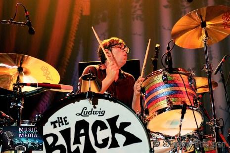 THE BLACK KEYS 2014 WELLS FARGO CENTER PHILADELPHIA PA 16