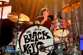 THE BLACK KEYS 2014 WELLS FARGO CENTER PHILADELPHIA PA 17