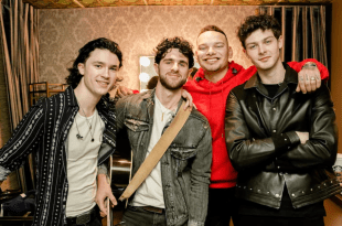 Restless Road and Kane Brown; Photo by Alex Alvga