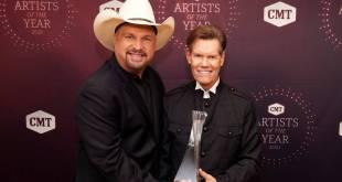 Garth Brooks & Randy Travis; Photo Courtesy of CMT