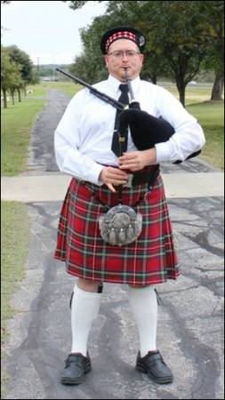 St Patrick's Day Bagpiper