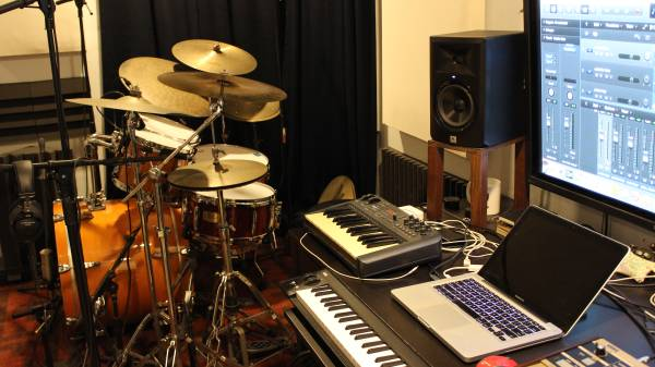 Custom Live Drumset Tracks For Your Project