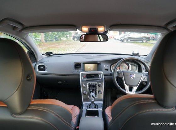 Volvo S60 T5 Adaptive Digital Display