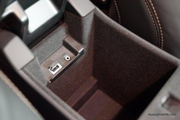 Volvo S60 T5 storage