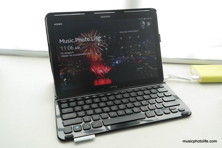 Logitech PRO keyboard Samsung Galaxy Note PRO photo by musicphotolife.com